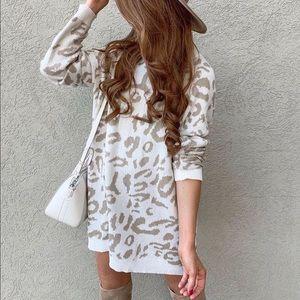 Dresses & Skirts - White animal print neutral sweater knit dress